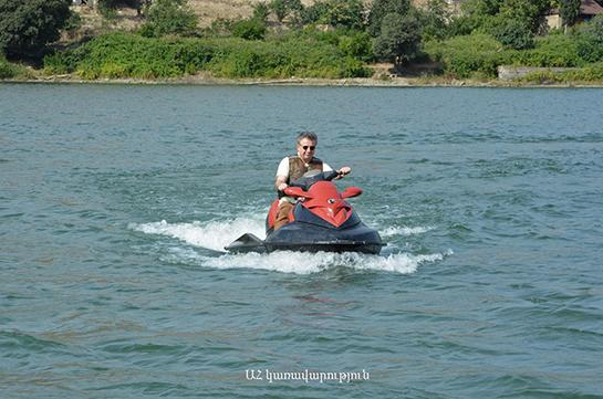 Премьер Армении Карен Карапетян ознакомился в Арцахе с работами по восстановлению села Талиш и новой зоной отдыха в Матагисе