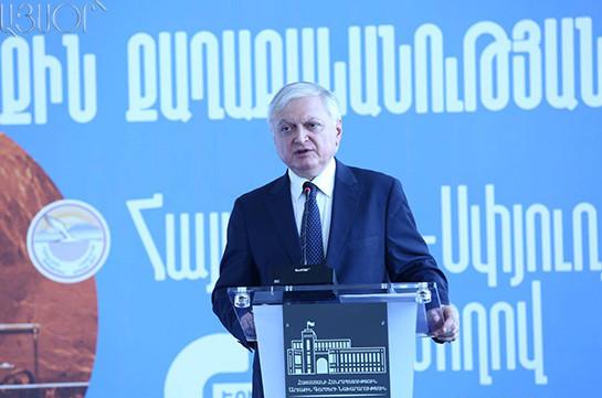 Эдвард Налбандян: Мирному решению и переговорам по Карабаху нет альтернативы
