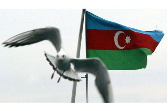 Би-би-си: «Семья не защищена». Почему и куда уезжают из Азербайджана