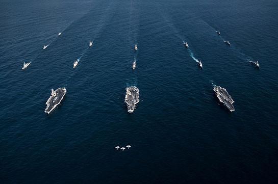 США опубликовали виде о появления трех авианосцев у берегов Кореи