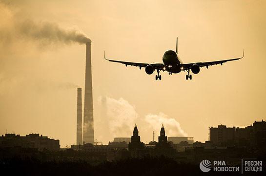 В Китае экстренно сел самолет из-за уставшего трудоголика, пишут СМИ