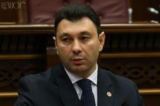 Шармазанов: Закон «О военной службе и статусе военнослужащего» не будет отозван