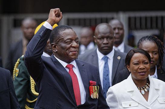 Новый президент Зимбабве прилетел встрану
