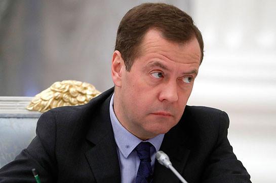 Медведев заявил о сохранении угрозы ИГ в Сирии