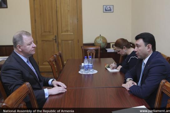 Հայաստանը կարող է հուսալի կամուրջ դառնալ ԵԱՏՄ և ԵՄ անդամ երկրների միջև. Շարմազանով