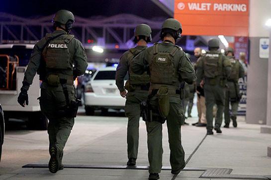 В США арестовали 50 человек за продажу оружия и наркотиков в Facebook