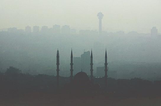 В Турции почти 800 человек задержали за протесты против операции в Африне