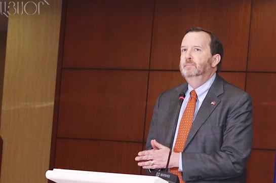Посол США в Армении: Мы не поддерживаем группы, которые пытаются незаконным путем свергнуть избранную власть