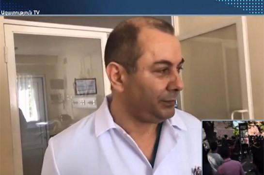 Избитый у 3-го правительственного корпуса журналист получил ушиб мягких тканей головы