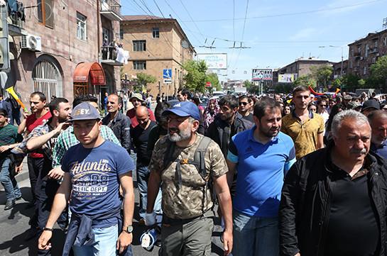 Минздрав Армении: В больницах Еревана продолжают лечение трое пострадавших