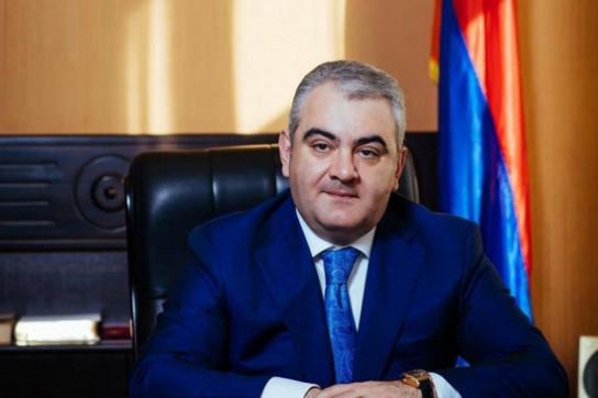 Арман Саакян заявил об уходе с должности главы департамента по управлению госимуществом Армении