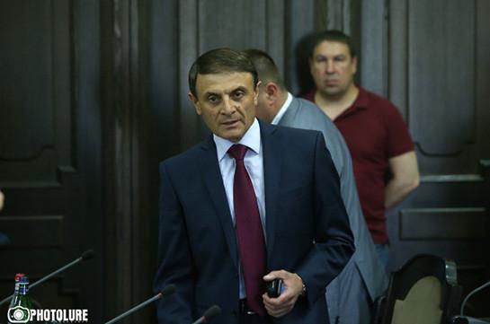 Валерий Осипян немедленно займется вопросом избившего граждан водителя