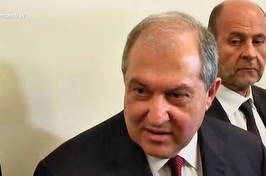 Президент Армении: Вопрос о внеочередных выборах должен быть решен в парламенте