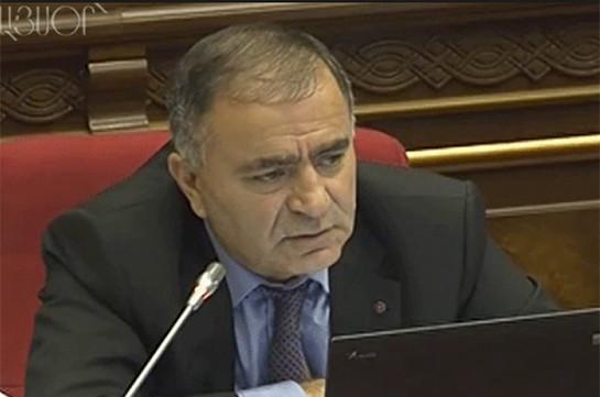 37 թիվ ա, ինչա՞, չեմ հասկանում. ՀՀԿ-ական պատգամավորները դիմել են ՔԿ՝ ազատ արձակելու Մասիսի քաղաքապետին