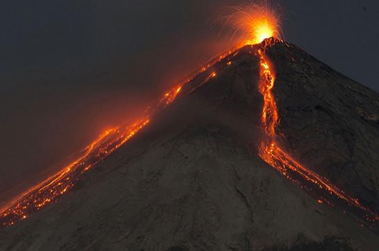 Жертвами извержения вулкана в Гватемале стали 27 детей