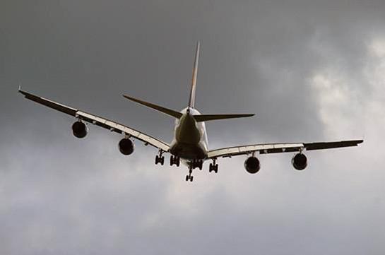 Летевший в Ереван самолет чуть не столкнулся с другим бортом