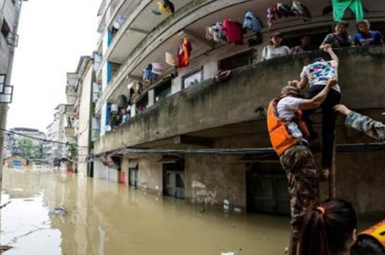 В Китае более 120 тысяч человек оказались в зоне бедствия из-за дождей