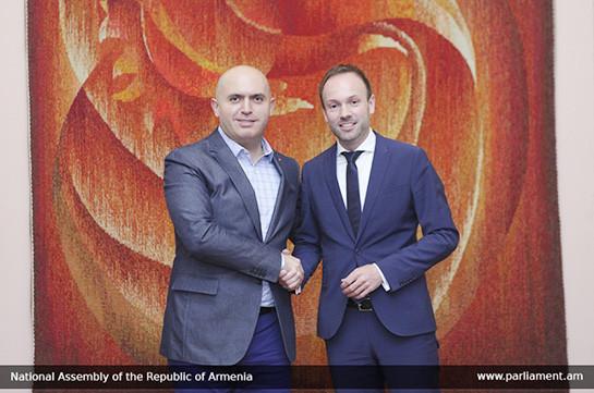 Արմեն Աշոտյանը հորդորել է գերմանացի գործընկերոջը հետամուտ լինել Rheinmetall ընկերության և Ադրբեջանի միջև ռազմական համագործակցության ուսումնասիրությանը