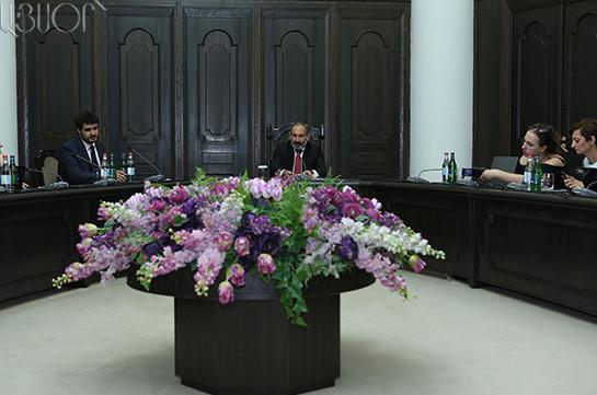Пашинян выразил Лукашенко озабоченность в связи с продажей вооружения Азербайджану