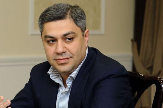 Իր ընտրվելու դեպքում հայկական ֆուտբոլի զարգացումը կլինի անխուսափելի. «Բանանցը» Վանեցյանի կողքին է