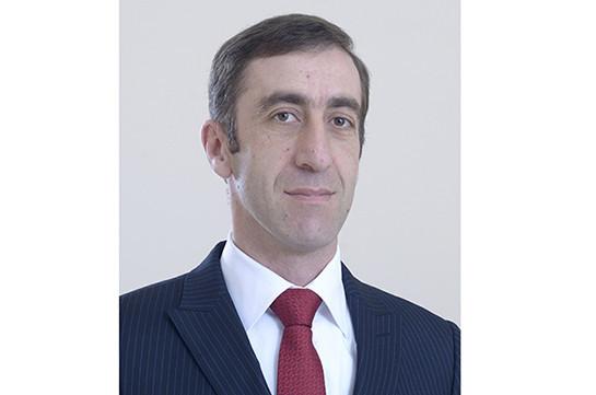 Արսեն Մանուկյանն ազատվել է Քաղաքացիական ավիացիայի կոմիտեի գլխավոր քարտուղարի պաշտոնից