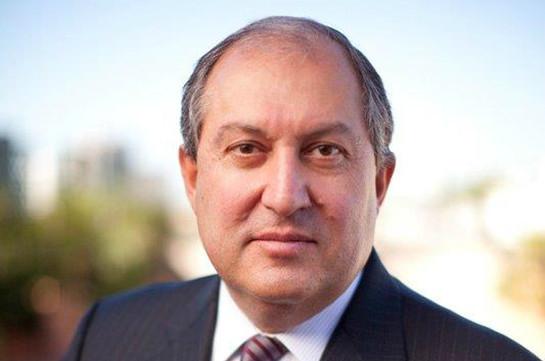 Президент Армен Саркисян отбыл с рабочим визитом в Арцах