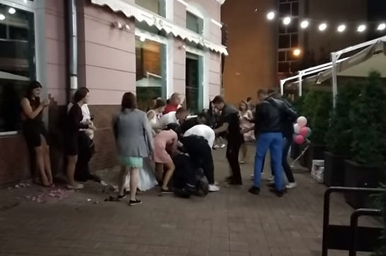 Ուկրաինայում նկարահանել են հարսանիքի հյուրերի կռիվը (Տեսանյութ)