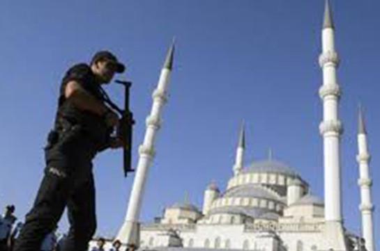 В Турции за связи с Гюленом арестовали 85 военных