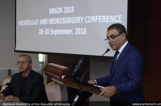 Ара Баблоян принял участие в открытии Международной конференции по проблемам неврологии и нейрохирургии