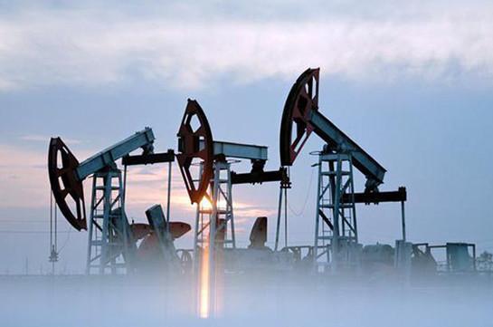 Oil extends 7 percent slide as outlook darkens