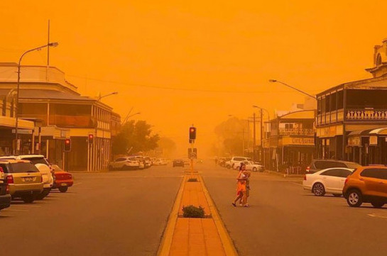 Huge dust storm hits Sydney