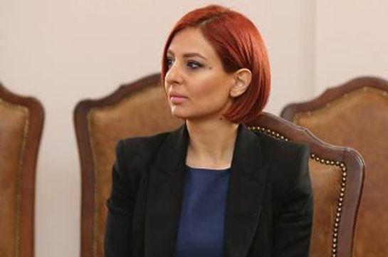 Ани Самсонян отказалась от мандата члена Совета старейшин Еревана