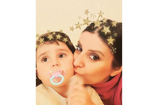 «Աստղերի իմ աշխարհը». Հասմիկ Կարապետյանը դստեր հետ լուսանկար է հրապարակել