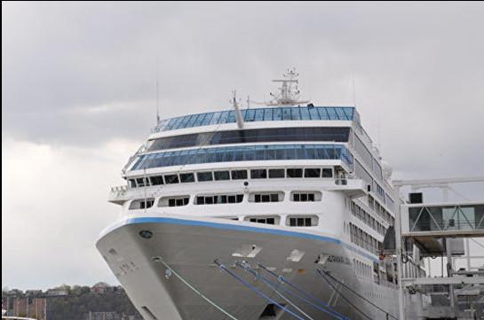 Կարիբյան ծովում հազարավոր մարդիկ վիրուսի պատճառով չեն կարողանում լքել նավը