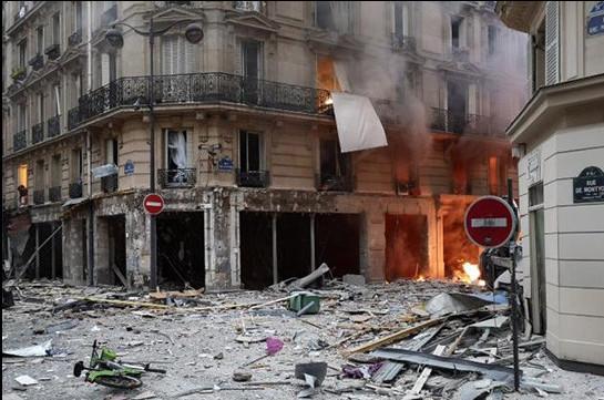 Ֆրանսիայի վարչապետն ու ՆԳՆ ղեկավարը մեկնել են Փարիզում տեղի ունեցած պայթյունի վայր