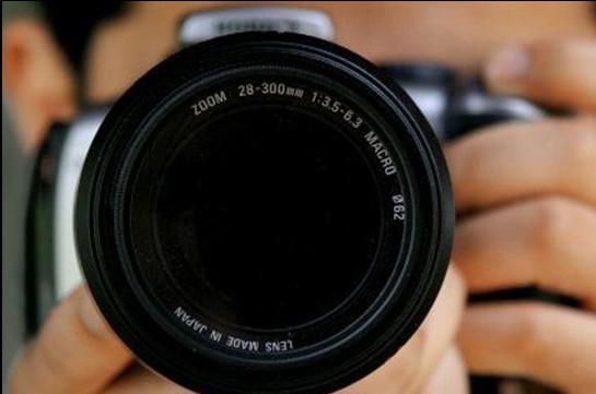 Восьмилетний профессиональный фотограф