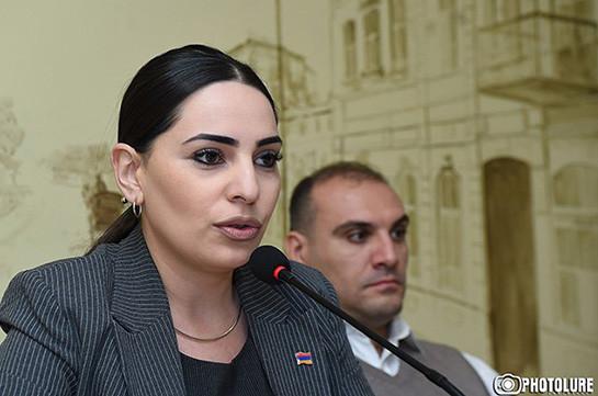 Зал заседаний Совета старейшин Еревана, подобно городу, стал немного неопрятным – Тегмине Варданян