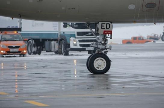 Летевший в Москву Boeing 737-800 экстренно сел в Сыктывкаре