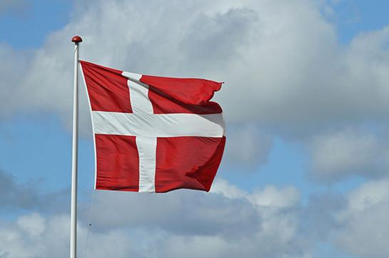Датского депутата не пустили в парламент с младенцем
