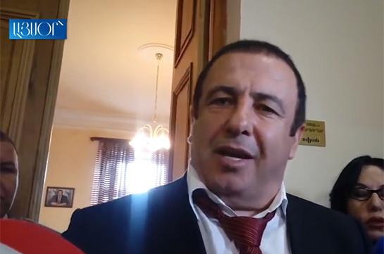 Գագիկ Ծառուկյանը ցեմենտի գործարանի շուրջ ստեղծված վիճակի մեջ մեղադրում է Բաբկեն Թունյանին (Տեսանյութ)