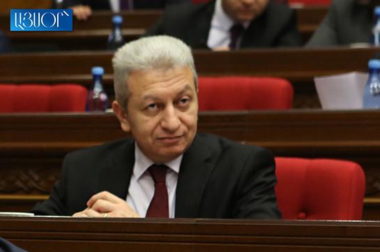 Парламент Армении не поддержал предложение отправить в отставку министра финансов