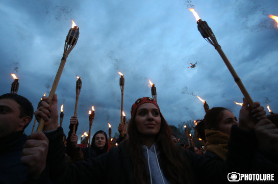 Torch-lit march in Yerevan to commemorate victims of Armenian Genocide (photos)