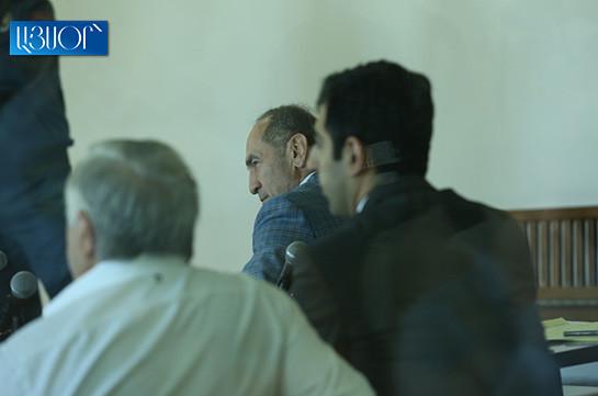Адвокаты Роберта Кочаряна ходатайствовали о вызове в суд Гагика Арутюняна и бывших судей Конституционного суда