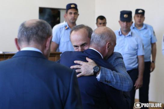 Действующий и бывший президенты Карабаха явились на судебное заседание по делу Роберта Кочаряна (Фото, видео)