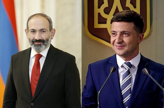 Пашинян пригласил Зеленского посетить Ереван