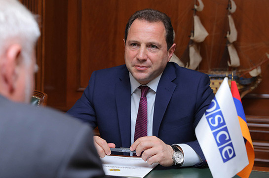Armenia's Defense Minister discusses situation on border with OSCE Minsk Group Co-Chairs