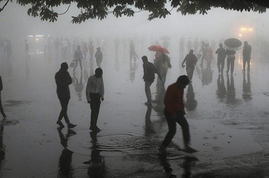 В Индии более 25 человек погибли из-за гроз и ливней