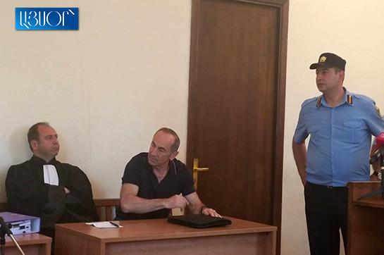 Роберт Кочарян со своим французским адвокатом находится на рассмотрении апелляционных жалоб