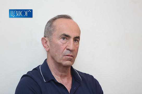 Роберт Кочарян вошел в зал заседаний через служебный вход для судьи – прокурор выступил с заявлением