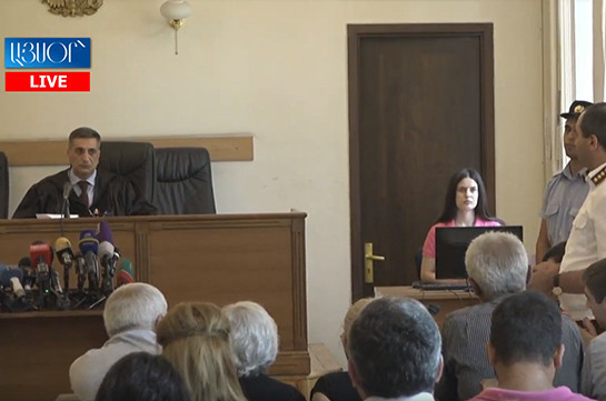 Քոչարյանի գործը կասեցնելու որոշումը կայացրած դատավորը կրավորական կեցվածք ունի. Գլխավոր դատախազը Վերաքննիչից պահանջեց կալանավորել նախկին նախագահին (տեսանյութ)